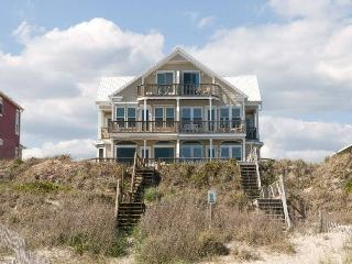 Comfortable House with Internet Access and Linens Provided - Emerald Isle vacation rentals