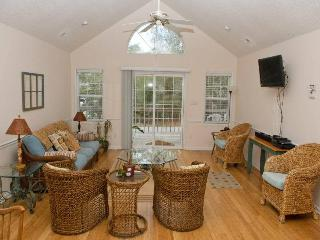 Bright House with Linens Provided and Internet Access - Emerald Isle vacation rentals