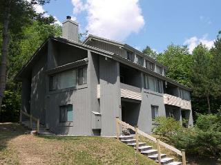 C029W- Managed by Loon Reservation Service - NH M&R:056365/Business ID:659647 - Lincoln vacation rentals