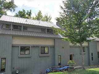 C061M- Managed by Loon Reservation Service - NH Meals & Rooms Lic# 056365 - Lincoln vacation rentals