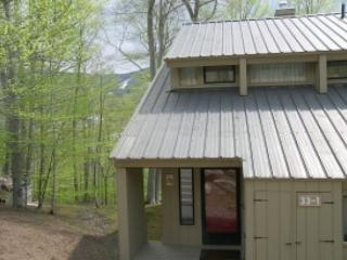 V057E- Managed by Loon Reservation Service - NH M&R:056365/Business ID:659647 - Lincoln vacation rentals