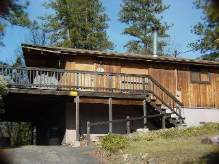 3 Bedroom, 2 Bath Cabin, Sleeps 8 - between E. Sonora and Twain Harte. - Sonora vacation rentals