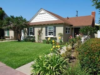 Oceanside Beach Cottage! Single Family Home on Belvue Lane! (68129) - Balboa vacation rentals