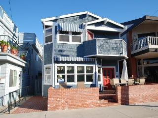 Great Bayside 2 Story Single Family Home with Bay Views! Family Fun! (68105) - Balboa vacation rentals