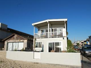Oceanfront Single Family Home! Spacious Patio! (68133) - Newport Beach vacation rentals