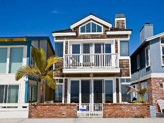 Beautiful 3 Bedroom Oceanfront Single Family Home! (68139) - Newport Beach vacation rentals