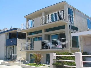 4 Bedroom Condo 5th House from the Beach! Ocean Views! (68172) - Newport Beach vacation rentals