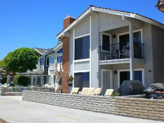Luxury 3 Bedroom Beach Condo Near Balboa Pier! Gorgeous Views! (68222) - Balboa vacation rentals