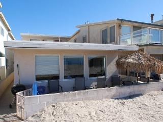 Nice 2 Bedroom Beach Cottage! Oceanfront with Great Views! (68144) - Newport Beach vacation rentals