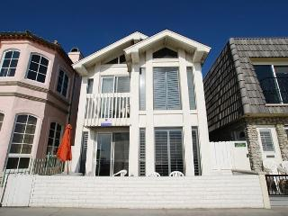 Great Oceanfront  Upper Duplex! (68190) - Newport Beach vacation rentals