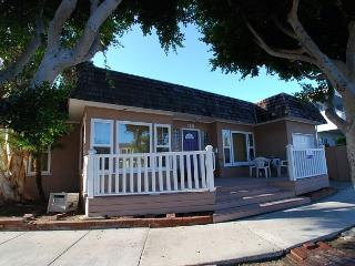 Spacious Quiet Peninsula Point Single Family Home Steps to the Sand! (68208) - Balboa vacation rentals
