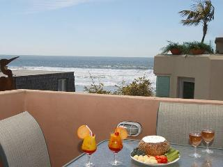 Ocean views  from this 3-bedroom condo - Rooftop deck with ocean views! - Pacific Beach vacation rentals