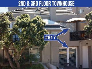 Lovely, spacious townhome-large deck, near beach, w/d, full kitchen - Pacific Beach vacation rentals
