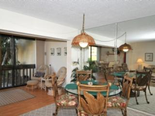Living Room, Dining Room and Lanai - Firethorn 613 - Siesta Key - rentals