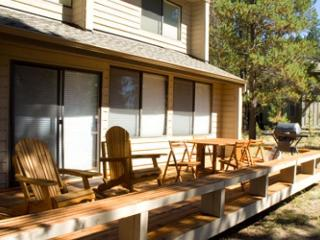 Great Sunriver Home with Hot Tub and in Wooded Setting Near Bike Paths - Sunriver vacation rentals