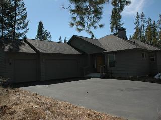 Mt Bachelor Specials Pet-Friendly in a Peaceful Setting Near North Entrance - Sunriver vacation rentals