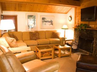 Tennis Player's Sunriver Condo with Cable and Private Pool Near Nature Center - Central Oregon vacation rentals