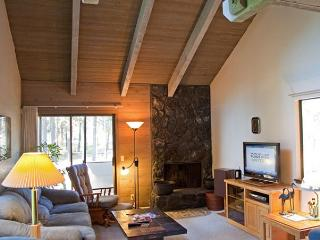 Relaxing, Pet-Friendly Sunriver Condo with Air conditioning Near the Village - Sunriver vacation rentals