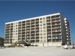 Island Winds West 373 ~ Nice and Homey Beachfront Condo - Gulf Shores vacation rentals