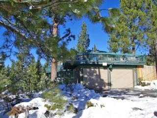 Cozy home perfect for a couple getaway, near slopes - HCH1232 - South Lake Tahoe vacation rentals