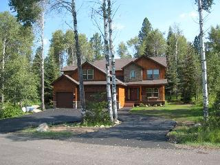 Lazy Bear Lodge Spacious Home in Private Setting of Aspen Ridge - McCall vacation rentals