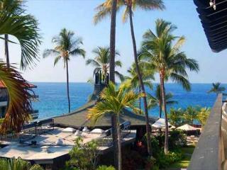 Casa de Emdeko 327- Top Floor Ocean View - Kailua-Kona vacation rentals