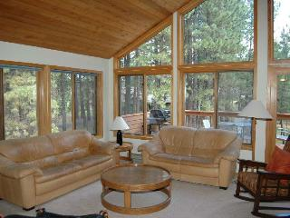 Comfortable 4 bedroom House in Black Butte Ranch - Black Butte Ranch vacation rentals