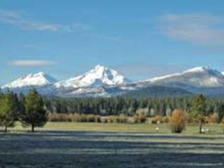 Lodge Condo 001 - Image 1 - Black Butte Ranch - rentals