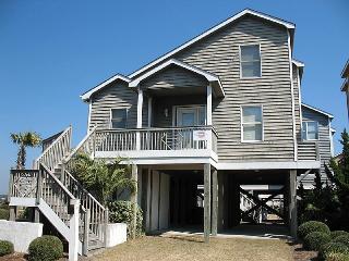 4 bedroom Cottage with Internet Access in Ocean Isle Beach - Ocean Isle Beach vacation rentals