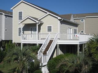 Nice Cottage with Deck and Internet Access - Ocean Isle Beach vacation rentals