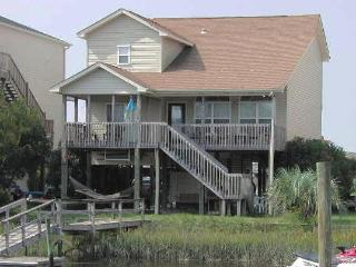 4 bedroom Cottage with Internet Access in Ocean Isle Beach - Ocean Isle Beach vacation rentals