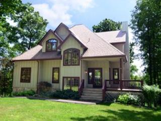 Bright 6 bedroom McHenry House with A/C - McHenry vacation rentals