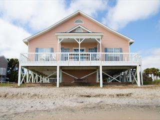 """A Shore Thing"" - Ocean Front Vacation Wonder - Edisto Island vacation rentals"