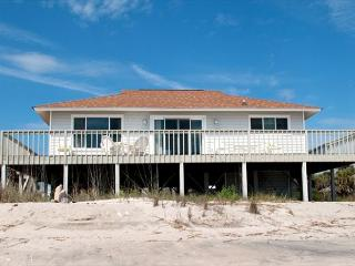 Corrigan - Perfectly Sized Beach Front Home - Charleston Area vacation rentals