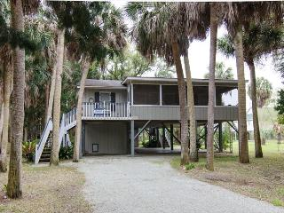 Lomas - Classic Edisto Beach Cottage - Edisto Island vacation rentals