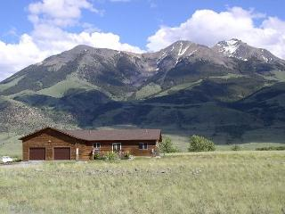 3 bedroom House with Deck in Emigrant - Emigrant vacation rentals