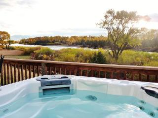 Yellowstone River Overlook - Pray vacation rentals
