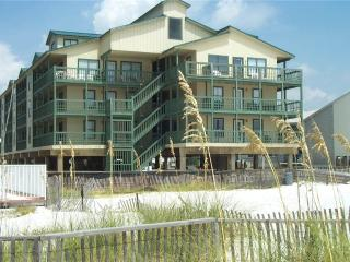 Beautiful Condo with Shared Outdoor Pool and Balcony - Gulf Shores vacation rentals