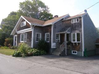 5 bedroom House with Deck in Sandwich - Sandwich vacation rentals