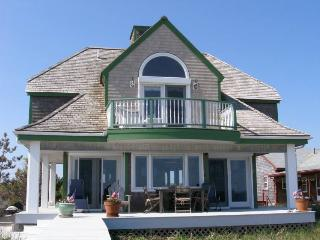 Cozy House with Internet Access and A/C in East Sandwich - East Sandwich vacation rentals