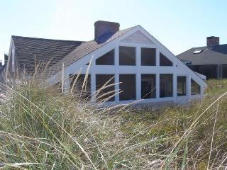 Bright House in East Sandwich with Internet Access, sleeps 4 - East Sandwich vacation rentals