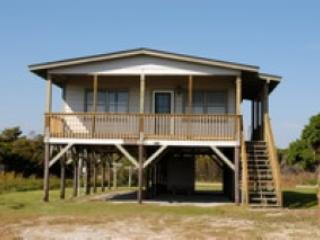 3 bedroom House with Porch in Oak Island - Oak Island vacation rentals