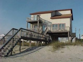Exterior - License to Chill - Monty's Mansion - Oak Island - rentals