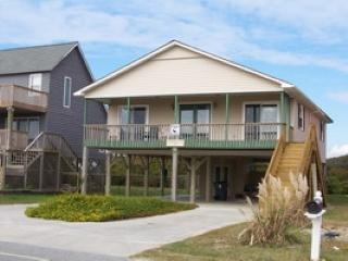 4 bedroom House with Deck in Oak Island - Oak Island vacation rentals