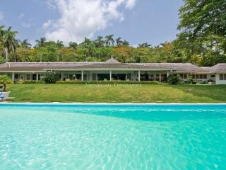 TENNIS! BEACH ACCESS! STAFF! LUXURY! - Montego Bay vacation rentals