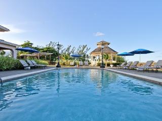 BEACHFRONT! LUXURY! POOL! STAFF! Villa Paradiso - Jamaica vacation rentals