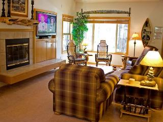 Fun Sunriver Home with Hot Tub and A/C Near the Village - Sunriver vacation rentals