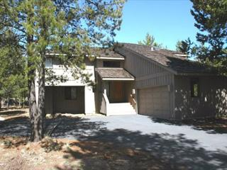 Pet friendly Sunriver home with AC and Bikes Near SHARC - Sunriver vacation rentals