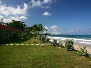 Bay Watch - Runaway Bay 5 Bedroom - Runaway Bay vacation rentals