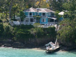 Scotch On The Rocks - Ocho Rios 5 Bedrm Oceanfront - Ocho Rios vacation rentals